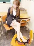 柊 ゆの(25)|イケない女教師がスーツ姿にハイヒール、Hな下着にパンスト着用であなたと妄想レッスン!〜大阪 梅田 兎我野町エリア 待ち合わせ&デリヘル